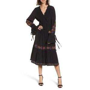 Hinge Nordstrom Embroidered Midi Dress sz Small